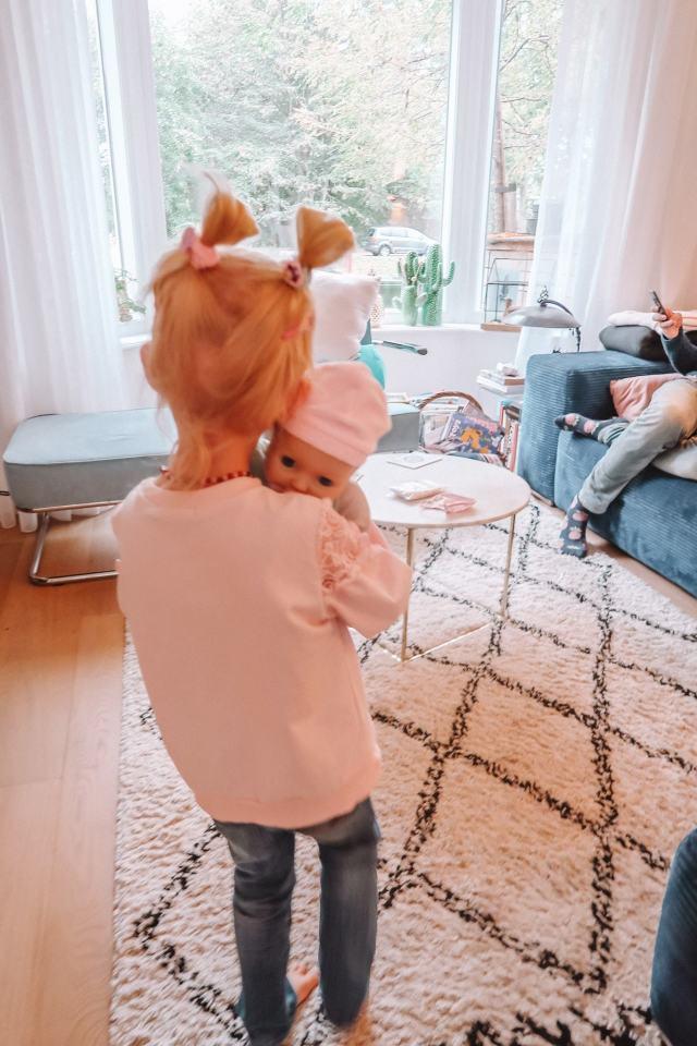 Goede Op deze leeftijd geef je je kind een pop | MiniMe.nl KV-11
