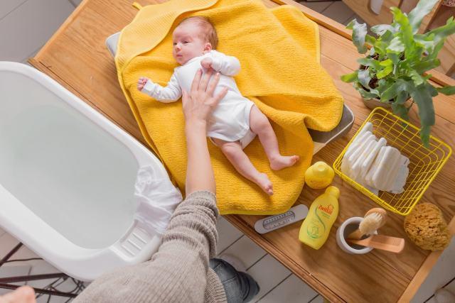 Spiksplinternieuw Je baby in bad doen: tips & adviezen   MiniMe.nl MH-11