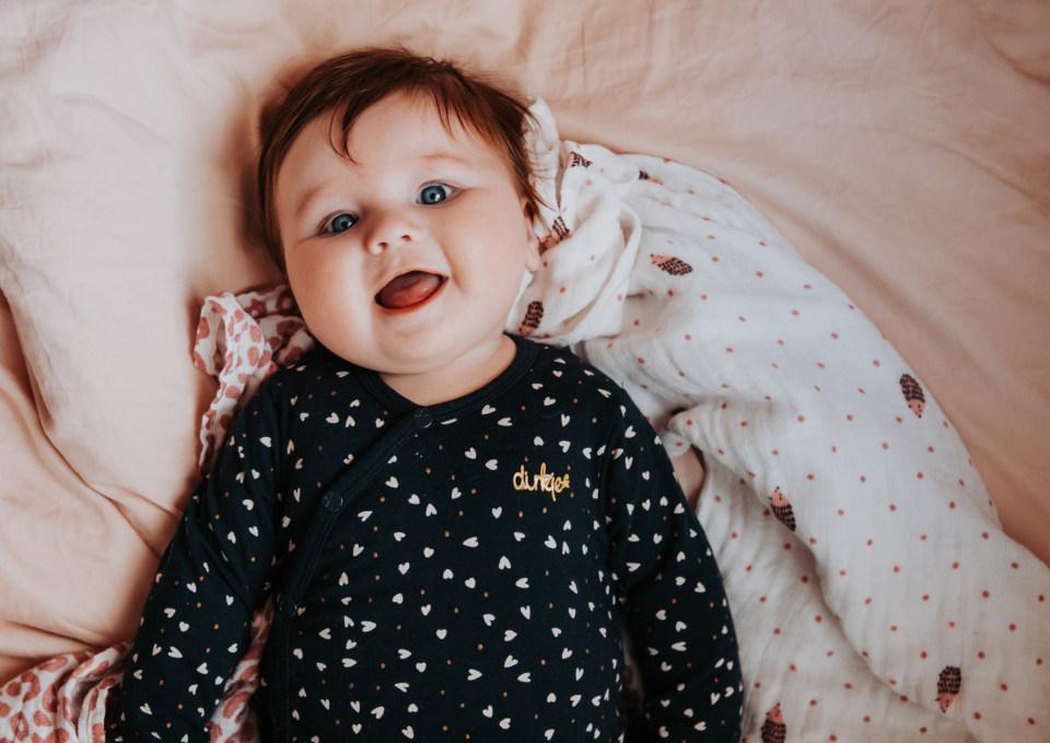 Gespot! Mooie betaalbare babykleertjes van biologisch katoen van Dirkje