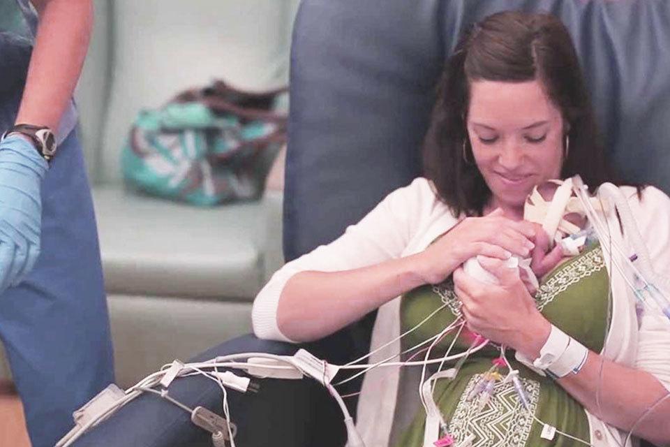 Baby geboren met 25 weken - Bekijk zijn 1e levensjaar