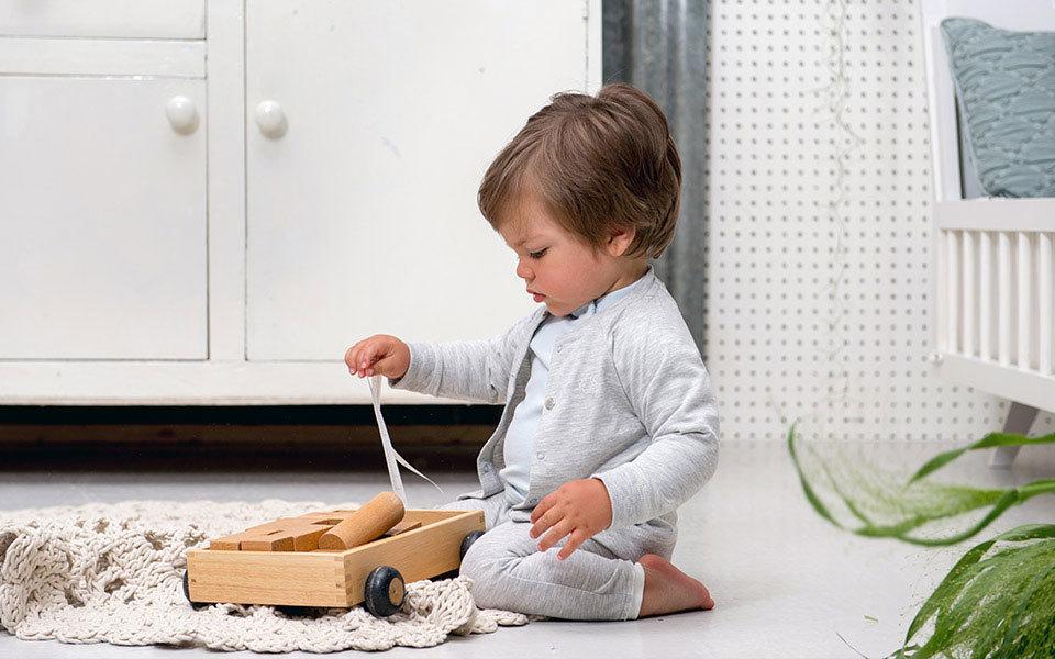 Het mooiste houten speelgoed & waarom dat áltijd goed is