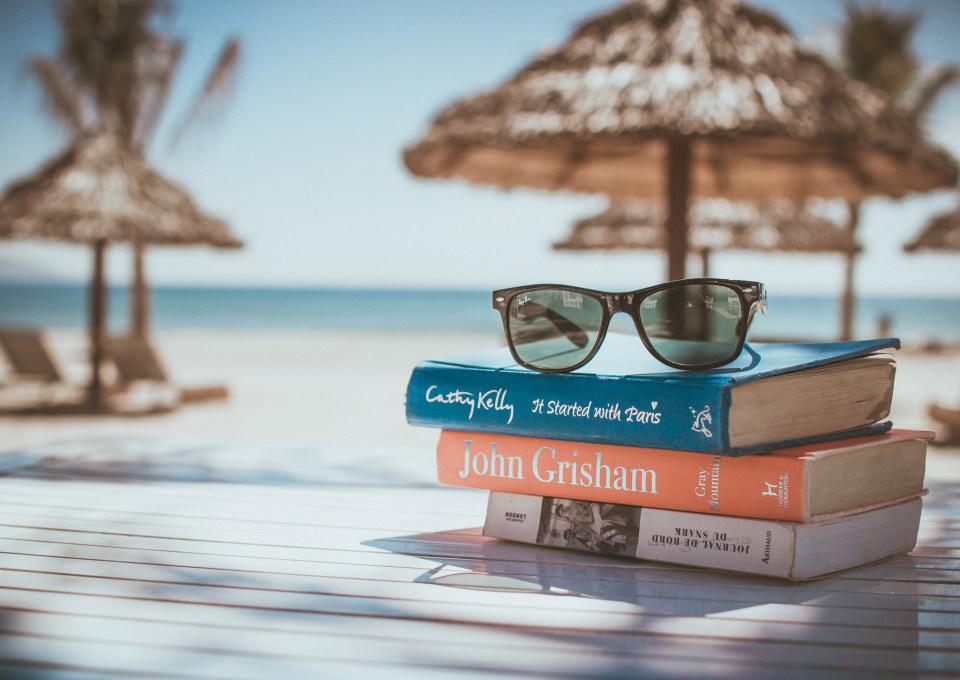 De 10 mooiste en leukste boeken voor op vakantie
