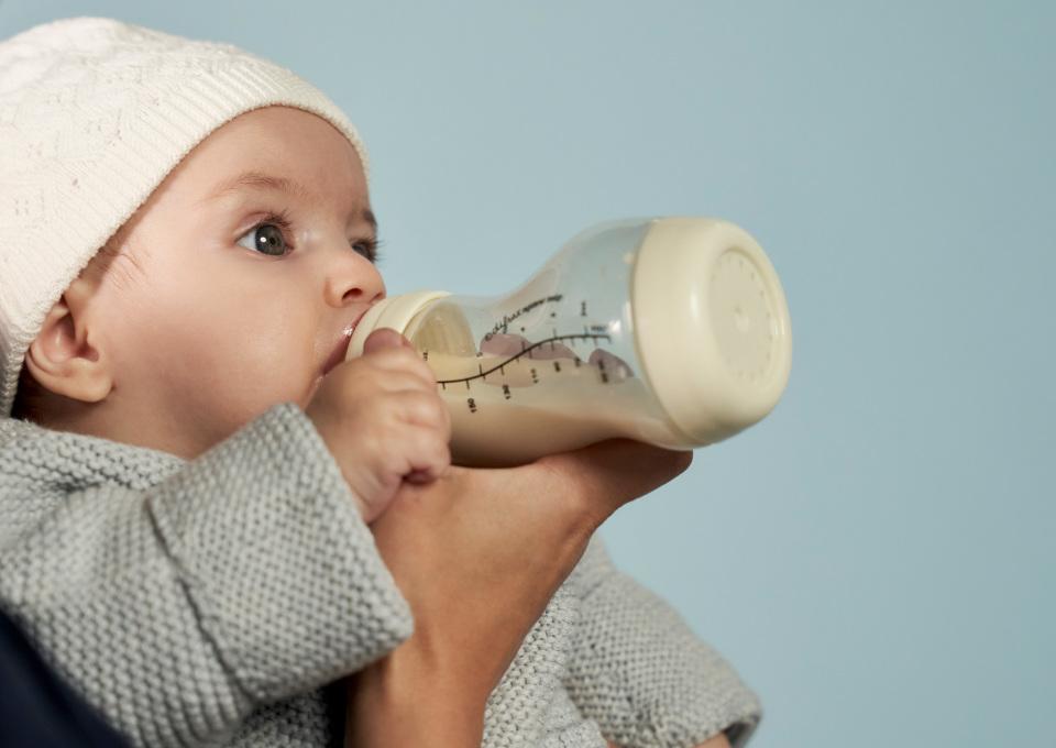 Flesvoeding baby | Hoe geef je de fles aan je kindje?