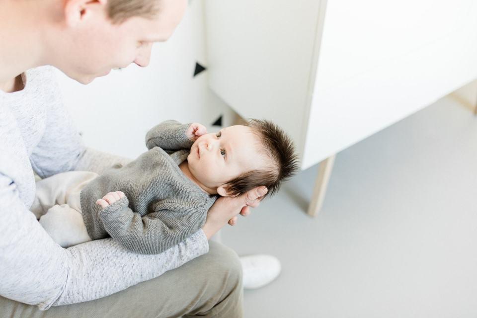 zwanger misselijk meisje