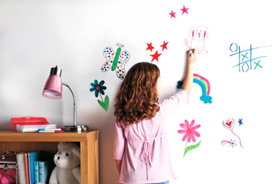 Als je kind op de muur tekent: een creatieve oplossing