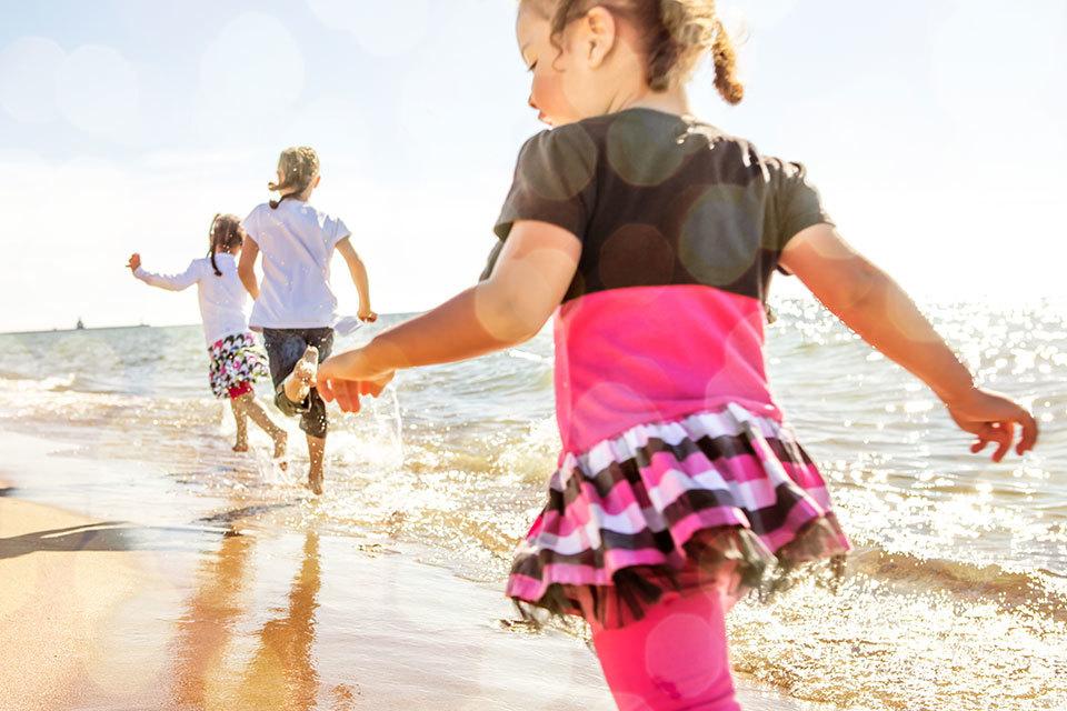 Leuk dagje uit: 8 kindvriendelijke strandtenten