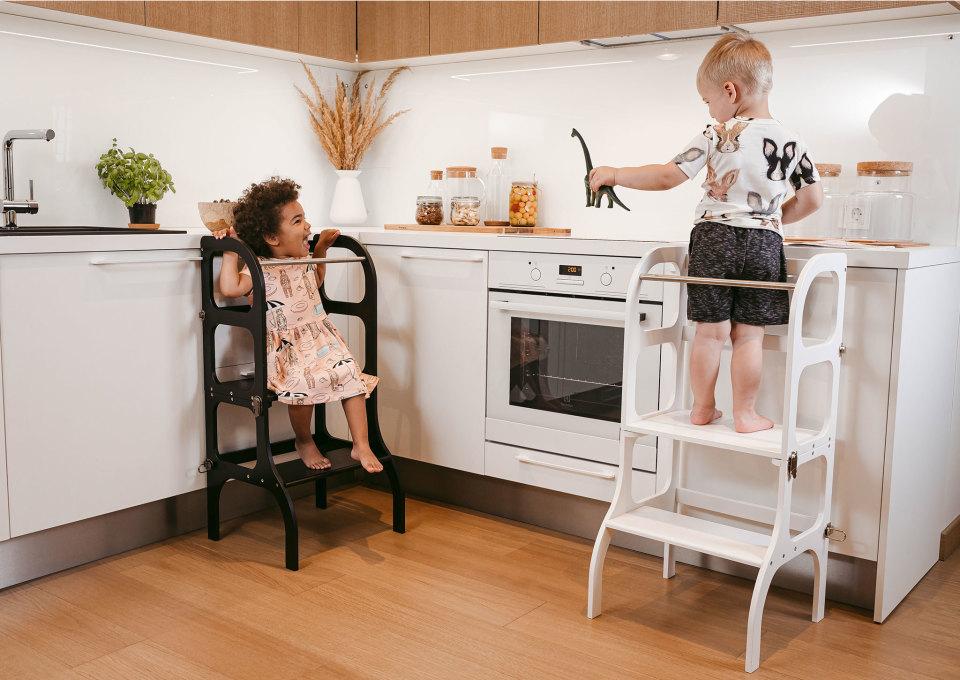 Gespot! Learning tower voor nieuwsgierige & behulpzame kids