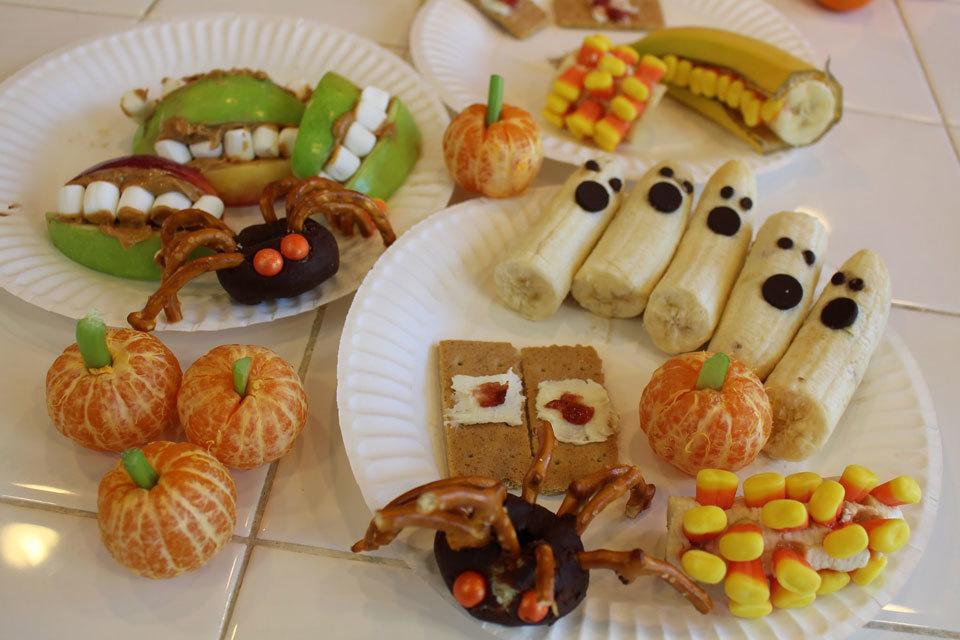 Met de kids lekkere Halloweensnacks maken