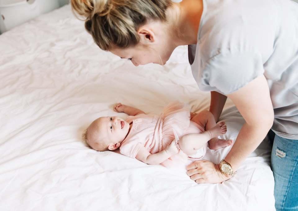 Wanneer gaat een baby lachen?