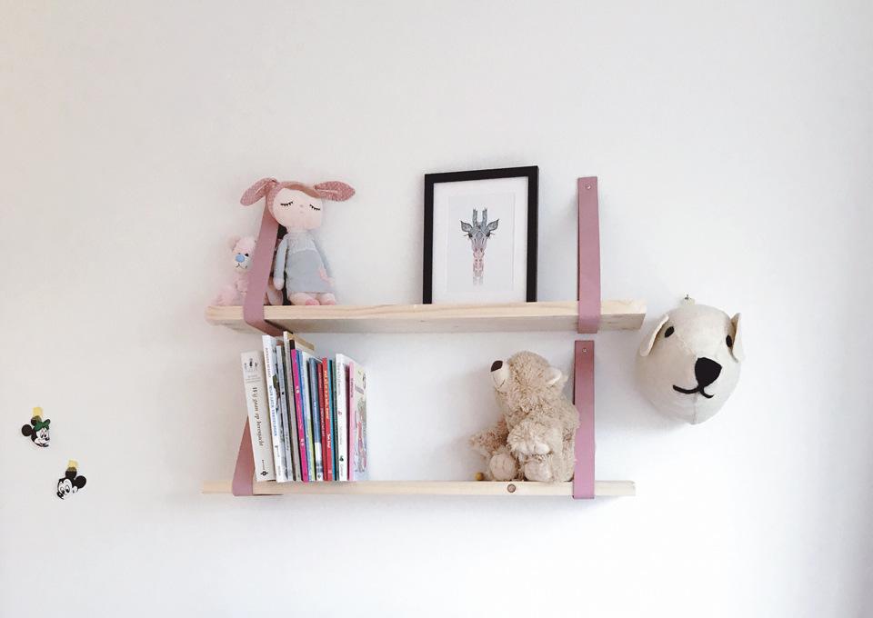 Houten Muurdecoratie Babykamer.Gespot Wandplankjes Voor De Kinderkamer Minime Nl