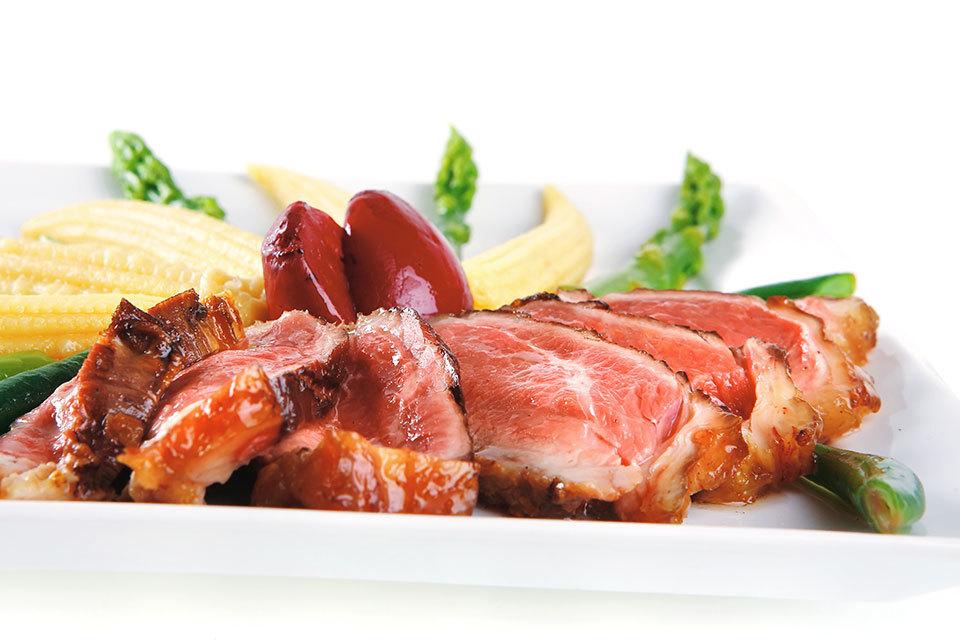 Moet je (weer) vlees eten als je zwanger bent?